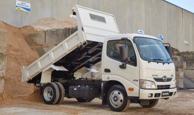Hino tipper truck